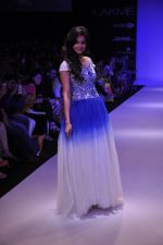 Rakul Preet Singh walk for KHEM Show at LFW 2014 Day 2 in Grand Hyatt, Mumbai on 13th March 2014 (12)_53219f3f33471.JPG
