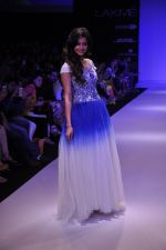 Rakul Preet Singh walk for KHEM Show at LFW 2014 Day 2 in Grand Hyatt, Mumbai on 13th March 2014 (13)_53219f3f8c519.JPG