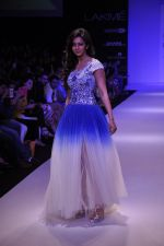 Rakul Preet Singh walk for KHEM Show at LFW 2014 Day 2 in Grand Hyatt, Mumbai on 13th March 2014 (17)_53219f4185f2a.JPG