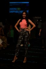 Sonal Chauhan on Day 1 at LFW 2014 in Grand Hyatt, Mumbai on 12th March 2014(239)_532187aba65f5.JPG