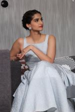 Sonam Kapoor at Bewakoofiyaan press meet in YRF, Mumbai on 12th March 2014 (80)_532188b7589b2.JPG