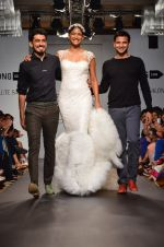Carol Gracias walk for Carleo Show at LFW 2014 Day 2 in Grand Hyatt, Mumbai on 13th March 2014 (16)_53229bad628d6.JPG