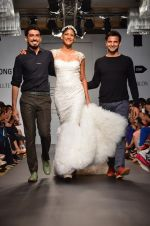 Carol Gracias walk for Carleo Show at LFW 2014 Day 2 in Grand Hyatt, Mumbai on 13th March 2014 (17)_53229badc470f.JPG