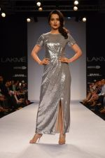 Kangana Ranaut walk for Dorothy Perkins Show at LFW 2014 Day 2 in Grand Hyatt, Mumbai on 13th March 2014 (11)_53229c79df65a.JPG