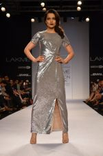 Kangana Ranaut walk for Dorothy Perkins Show at LFW 2014 Day 2 in Grand Hyatt, Mumbai on 13th March 2014 (12)_53229c7a4b22d.JPG