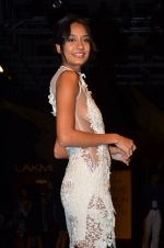 Lisa Haydon on Day 2 at LFW 2014 in Grand Hyatt, Mumbai on 13th March 2014 (146)_5322a0fe9e6da.JPG