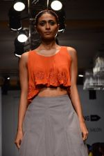 Model walk for Carleo Show at LFW 2014 Day 2 in Grand Hyatt, Mumbai on 13th March 2014 (25)_53229bc00044f.JPG
