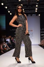 Model walk for Dorothy Perkins Show at LFW 2014 Day 2 in Grand Hyatt, Mumbai on 13th March 2014 (107)_53229cbf760db.JPG