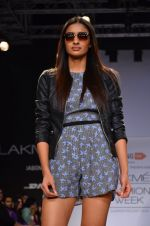 Model walk for Dorothy Perkins Show at LFW 2014 Day 2 in Grand Hyatt, Mumbai on 13th March 2014 (120)_53229cc48a1e2.JPG
