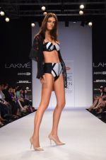 Model walk for Dorothy Perkins Show at LFW 2014 Day 2 in Grand Hyatt, Mumbai on 13th March 2014 (128)_53229cc762621.JPG