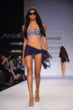 Model walk for Dorothy Perkins Show at LFW 2014 Day 2 in Grand Hyatt, Mumbai on 13th March 2014 (132)_53229cc8c56cf.JPG