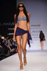 Model walk for Dorothy Perkins Show at LFW 2014 Day 2 in Grand Hyatt, Mumbai on 13th March 2014 (133)_53229cc92909c.JPG