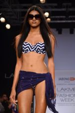 Model walk for Dorothy Perkins Show at LFW 2014 Day 2 in Grand Hyatt, Mumbai on 13th March 2014 (134)_53229cc97e3cc.JPG