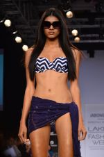 Model walk for Dorothy Perkins Show at LFW 2014 Day 2 in Grand Hyatt, Mumbai on 13th March 2014 (135)_53229cc9d7669.JPG