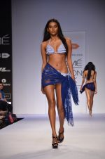 Model walk for Dorothy Perkins Show at LFW 2014 Day 2 in Grand Hyatt, Mumbai on 13th March 2014 (137)_53229cca8e2bb.JPG