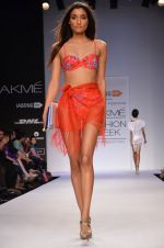 Model walk for Dorothy Perkins Show at LFW 2014 Day 2 in Grand Hyatt, Mumbai on 13th March 2014 (150)_53229ccf8aab3.JPG