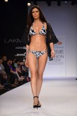 Model walk for Dorothy Perkins Show at LFW 2014 Day 2 in Grand Hyatt, Mumbai on 13th March 2014 (156)_53229cd1dcba2.JPG