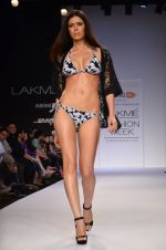 Model walk for Dorothy Perkins Show at LFW 2014 Day 2 in Grand Hyatt, Mumbai on 13th March 2014 (157)_53229cd2552c9.JPG