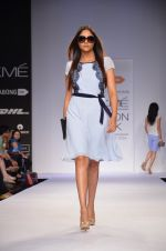 Model walk for Dorothy Perkins Show at LFW 2014 Day 2 in Grand Hyatt, Mumbai on 13th March 2014 (16)_53229c9bb46f5.JPG