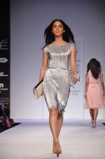 Model walk for Dorothy Perkins Show at LFW 2014 Day 2 in Grand Hyatt, Mumbai on 13th March 2014 (163)_53229cd4d4d7a.JPG