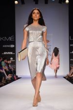Model walk for Dorothy Perkins Show at LFW 2014 Day 2 in Grand Hyatt, Mumbai on 13th March 2014 (165)_53229cd59074b.JPG