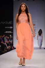 Model walk for Dorothy Perkins Show at LFW 2014 Day 2 in Grand Hyatt, Mumbai on 13th March 2014 (172)_53229cd830430.JPG
