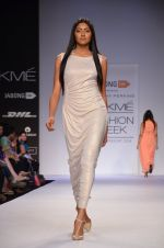 Model walk for Dorothy Perkins Show at LFW 2014 Day 2 in Grand Hyatt, Mumbai on 13th March 2014 (175)_53229cd94599c.JPG
