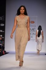 Model walk for Dorothy Perkins Show at LFW 2014 Day 2 in Grand Hyatt, Mumbai on 13th March 2014 (178)_53229cda52155.JPG