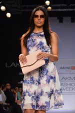 Model walk for Dorothy Perkins Show at LFW 2014 Day 2 in Grand Hyatt, Mumbai on 13th March 2014 (28)_53229ca032952.JPG