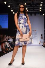 Model walk for Dorothy Perkins Show at LFW 2014 Day 2 in Grand Hyatt, Mumbai on 13th March 2014 (30)_53229ca0eea98.JPG