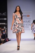 Model walk for Dorothy Perkins Show at LFW 2014 Day 2 in Grand Hyatt, Mumbai on 13th March 2014 (32)_53229ca1a70f9.JPG
