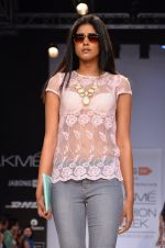 Model walk for Dorothy Perkins Show at LFW 2014 Day 2 in Grand Hyatt, Mumbai on 13th March 2014 (41)_53229ca500fc5.JPG