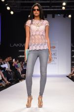 Model walk for Dorothy Perkins Show at LFW 2014 Day 2 in Grand Hyatt, Mumbai on 13th March 2014 (42)_53229ca558bd2.JPG