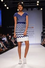 Model walk for Dorothy Perkins Show at LFW 2014 Day 2 in Grand Hyatt, Mumbai on 13th March 2014 (63)_53229cad13a37.JPG
