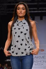 Model walk for Dorothy Perkins Show at LFW 2014 Day 2 in Grand Hyatt, Mumbai on 13th March 2014 (69)_53229caf54fc6.JPG