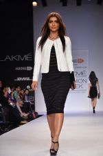 Model walk for Dorothy Perkins Show at LFW 2014 Day 2 in Grand Hyatt, Mumbai on 13th March 2014 (78)_53229cb2907ab.JPG