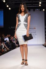 Model walk for Dorothy Perkins Show at LFW 2014 Day 2 in Grand Hyatt, Mumbai on 13th March 2014 (84)_53229cb5d44cc.JPG