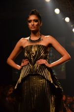 Model walk for Gaurav Gupta Show at LFW 2014 Day 2 in Grand Hyatt, Mumbai on 13th March 2014 (100)_53229bbe53d5c.JPG