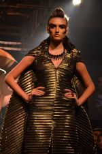 Model walk for Gaurav Gupta Show at LFW 2014 Day 2 in Grand Hyatt, Mumbai on 13th March 2014 (101)_53229bbeb1904.JPG
