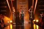 Model walk for Gaurav Gupta Show at LFW 2014 Day 2 in Grand Hyatt, Mumbai on 13th March 2014 (104)_53229bbfcd5d7.JPG