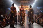 Model walk for Gaurav Gupta Show at LFW 2014 Day 2 in Grand Hyatt, Mumbai on 13th March 2014 (109)_53229bc199a5a.JPG