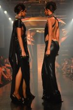 Model walk for Gaurav Gupta Show at LFW 2014 Day 2 in Grand Hyatt, Mumbai on 13th March 2014 (11)_53229b98701c2.JPG