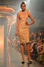 Model walk for Gaurav Gupta Show at LFW 2014 Day 2 in Grand Hyatt, Mumbai on 13th March 2014 (25)_53229b9d63b0a.JPG