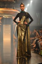 Model walk for Gaurav Gupta Show at LFW 2014 Day 2 in Grand Hyatt, Mumbai on 13th March 2014 (39)_53229ba3e3f7c.JPG