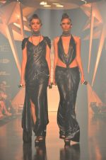 Model walk for Gaurav Gupta Show at LFW 2014 Day 2 in Grand Hyatt, Mumbai on 13th March 2014 (4)_53229b95700a3.JPG