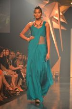 Model walk for Gaurav Gupta Show at LFW 2014 Day 2 in Grand Hyatt, Mumbai on 13th March 2014 (50)_53229ba88a4d1.JPG