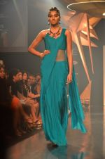 Model walk for Gaurav Gupta Show at LFW 2014 Day 2 in Grand Hyatt, Mumbai on 13th March 2014 (51)_53229ba8ed72e.JPG