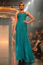 Model walk for Gaurav Gupta Show at LFW 2014 Day 2 in Grand Hyatt, Mumbai on 13th March 2014 (53)_53229ba9d307d.JPG