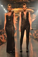 Model walk for Gaurav Gupta Show at LFW 2014 Day 2 in Grand Hyatt, Mumbai on 13th March 2014 (60)_53229bace3073.JPG