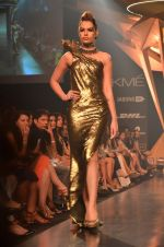 Model walk for Gaurav Gupta Show at LFW 2014 Day 2 in Grand Hyatt, Mumbai on 13th March 2014 (79)_53229bb5ca098.JPG